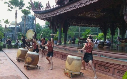 BKK ancient city play drum