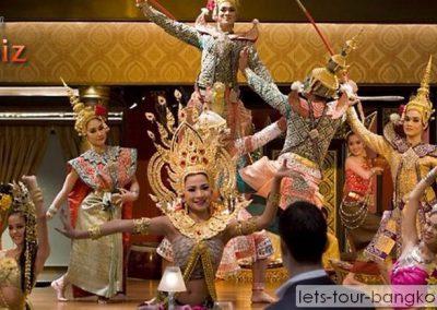 Thai dance in the oriental hotel