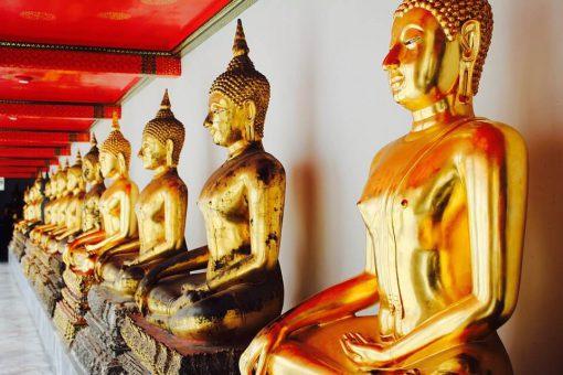 Buddha statue inside wat pho