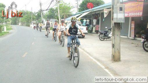 Chiang Mai Ride a bike