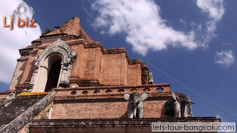 CNX_Wat_Chedi_Luang (2)