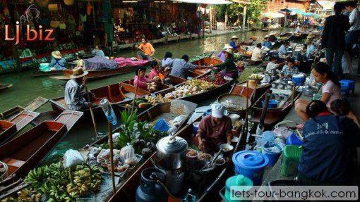 boat damnorn saduak floating market