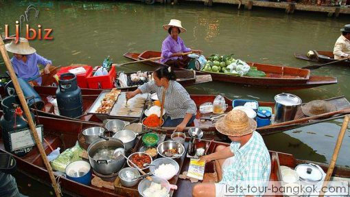 BKK damnorn saduak floating market boat