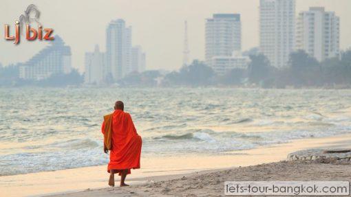 HHQ hua hin beach in the morning