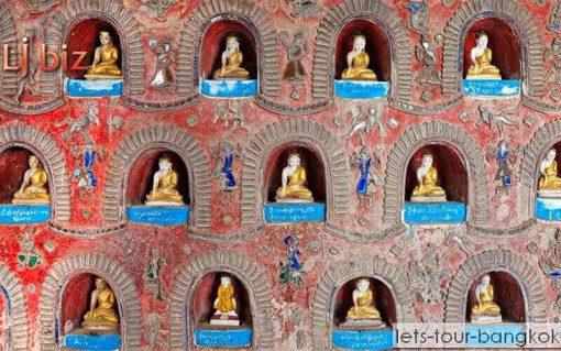Myanmar bagan Buddha statue