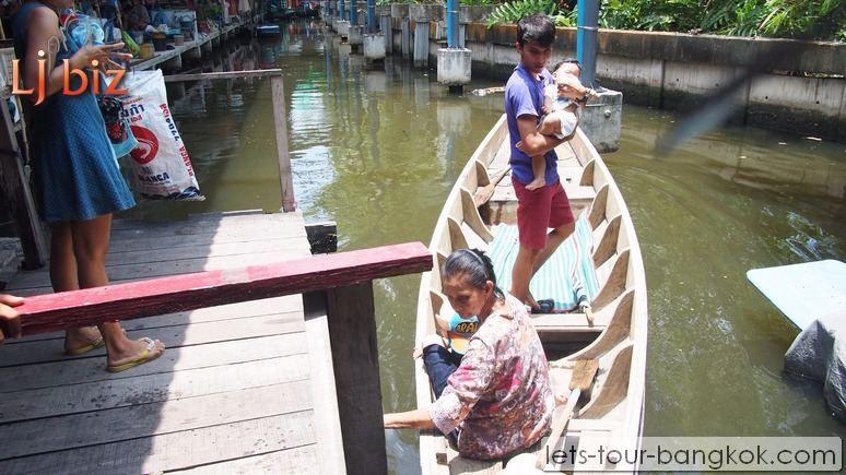 Samutprakan_Bang_Namphung_Floating_Market_ (2)