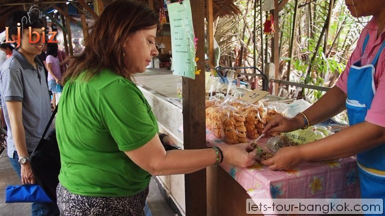 Samutprakan_Bang_Namphung_Floating_Market_ (9)