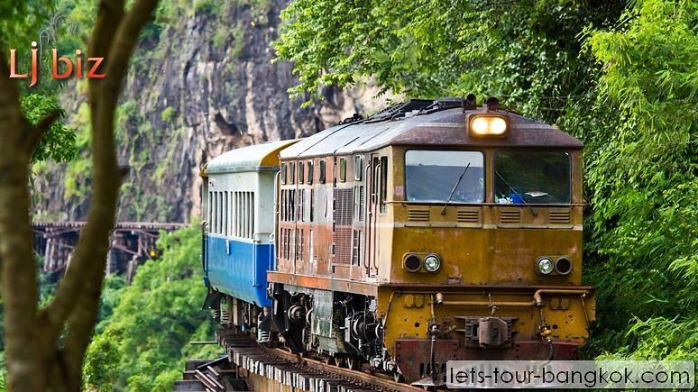 kan_train_ride_historical_rail_road