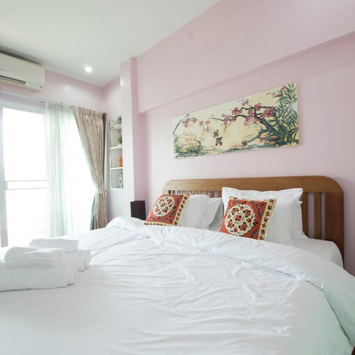 ayihome Bangkok townhouse bed room