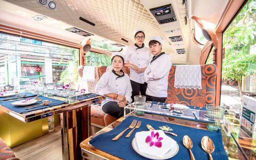 Thai bus Food tour cheft