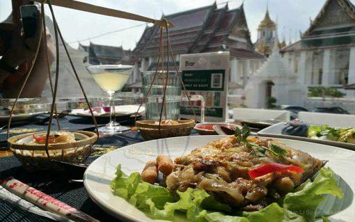 Thai bus Food tour wat suthat