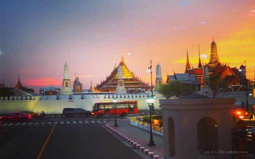 Thai bus Food tour grand Palace