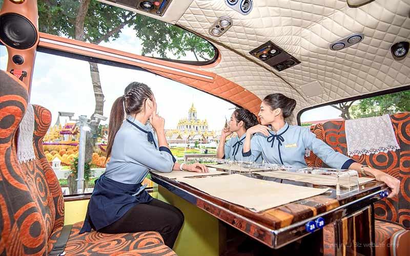 Thai bus Food tour wat ratchanadda