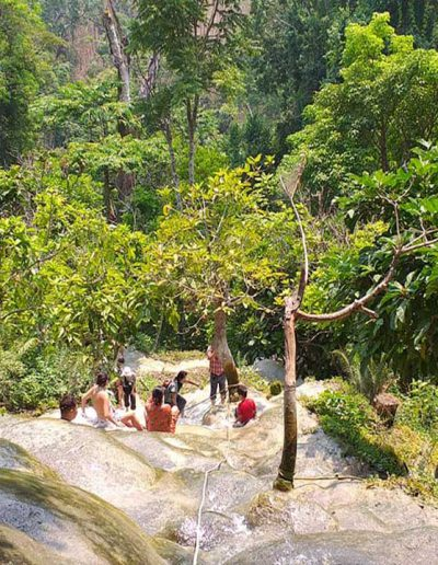 cnx-Bua-tong-waterfall-05