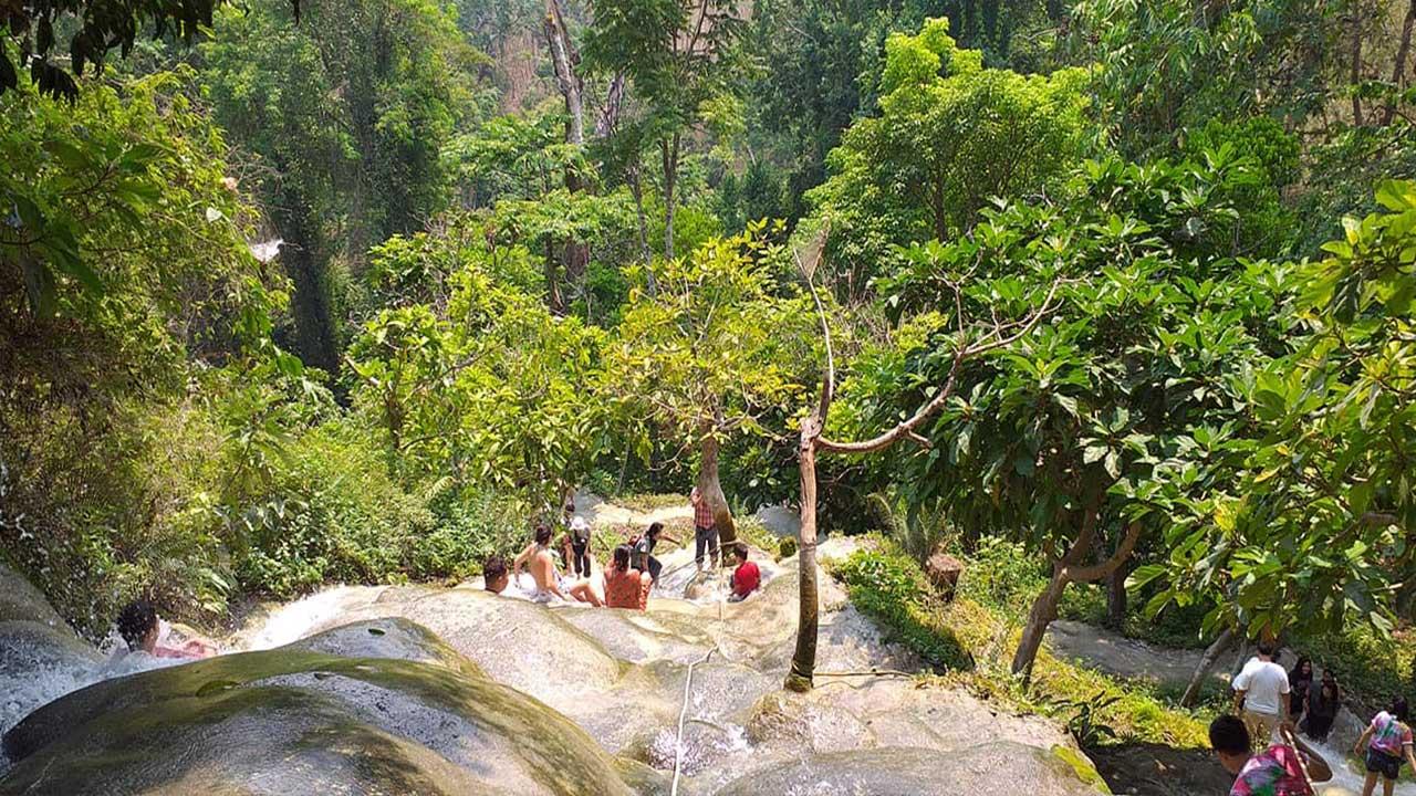 chiang mai sticky waterfall