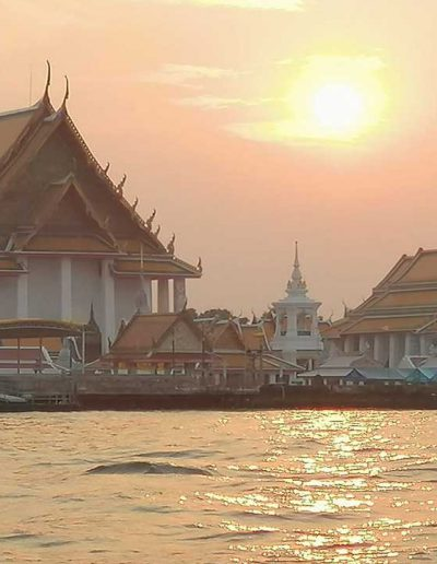 Wat kallayanamit on the river